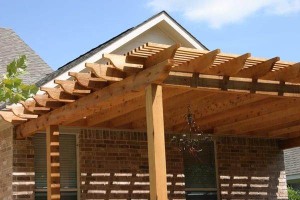 Aluminum Vs Cedar Or Redwood For Shade Austin Outdoor